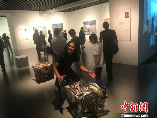 中国留法艺术家百年开拓与交流展在沪举行