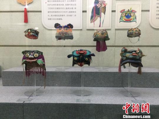 230顶晋式童帽山西首展一针一线展示传统文化