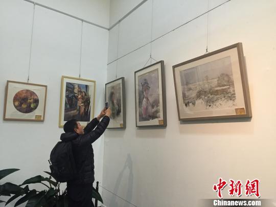 300余幅水彩画亮相太原新老艺术家画作展时代特征