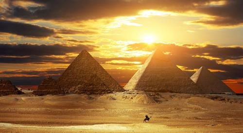 埃及金字塔兴起和演变的传说