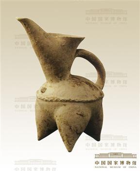 古代白陶笔桶图片